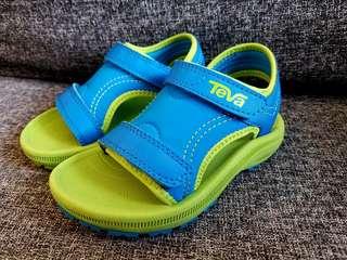 近全新TEVA潮B涼鞋