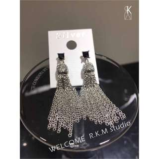 🚚 R.K.M 正韓 方鑽銀流蘇耳環 現貨 SALE:200
