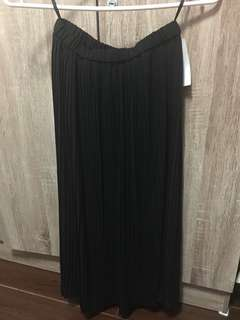 BNWT Uniqlo Pleated skirt