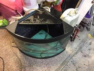 🚚 90度角魚缸