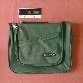 Olive toiletry kit