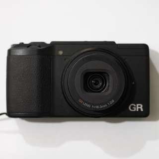 Ricoh GR II (16 MP APS-C 18.3mm f2.8 Prime Lens) Compact Camera