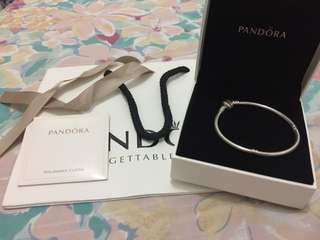 REPRICED!!!Brandnew Authentic Pandora barrel clasp collier 19cm