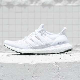 Pure White Ultra Boost Size 7W