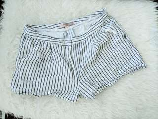 F21 White shorts with stripes sizeS