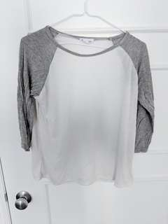 White Baseball shirt w grey sleeves OS
