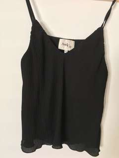 Black pleat singlet