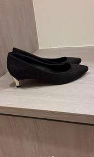 🚚 達芙妮高跟鞋(尺寸不合出售)