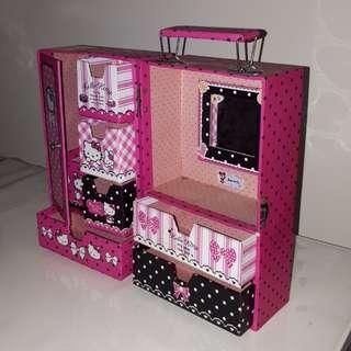 Lemari Kotak Penyimpanan Hello Kitty