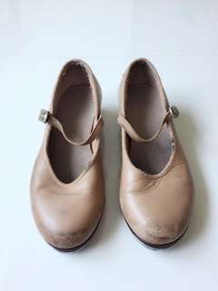 Size 12.5 Bloch tap shoes
