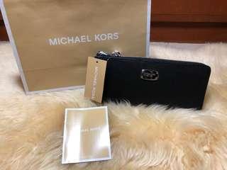AUTHENTIC Michael Kors Jet Set 3-Quarter Zip Wallet