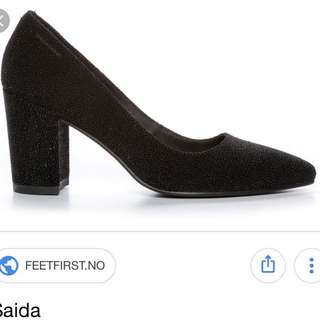 PRICE DROP: Vagabond Saida Black block heels