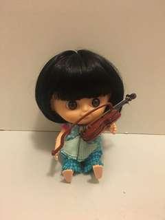 小提琴 娃娃 拍照道具 妹頭娃娃 bjd