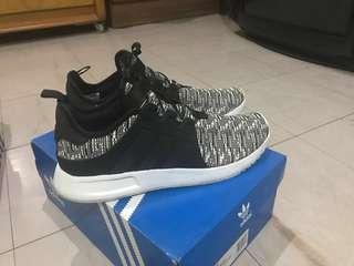 Adidas XPLR (size 10)