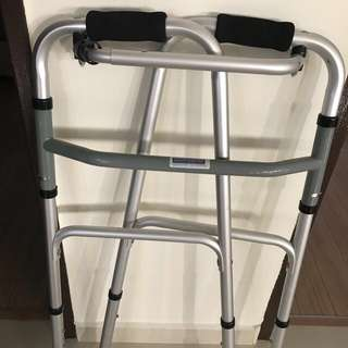 Walking frame condition 9.5/10