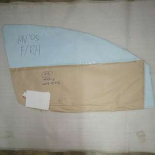 PERODUA MYVI FRONT DOOR GLASS LH OR RH GENUINE PART