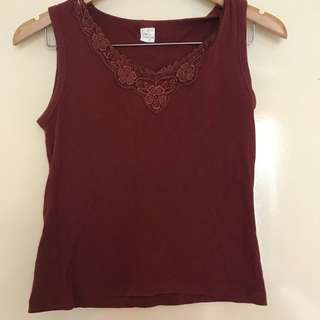 Maroon crop with lace neckline