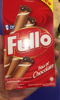FULLO chocolate wafer roll