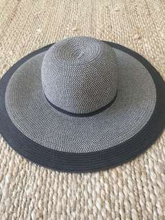 Witchery B&W floppy hat