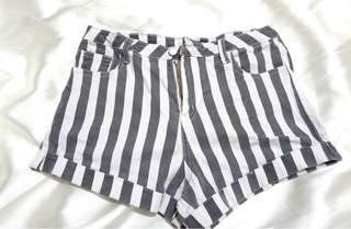 Chicabooti HW Stripes Shorts