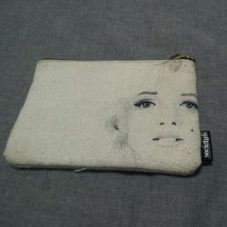 BN Marilyn Monroe Pouch With Gold Zip