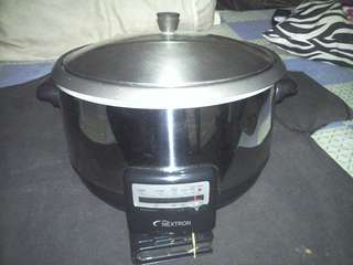 Multipurpose cooker and stir fry