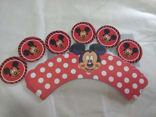 Mickey mouse cupcake wrapper with topper