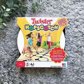 Hasbro - Twister Hopscotch (Kids Age 6+)