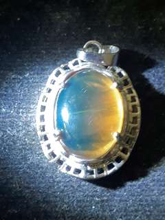 Mustika Katilayu biru kuning pendant ( Blue Yellow Amber ) Nickname : Fishing Amulet Self collection at hougang ave8 or Punggol Drive under my blk. Mailling @ $5