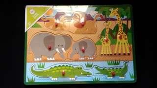 Circo Parent and Child Animals peg board