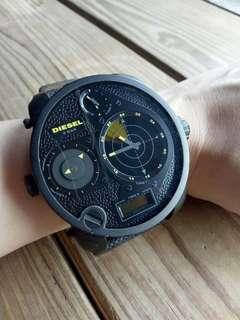 Diesel探險家四區雷達腕錶