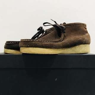 🚚 Clarks originals 經典短靴