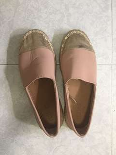 Pink and Gold colour shoe from Rubi