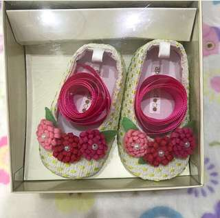 APPLESEED LACE UP BABY SHOES