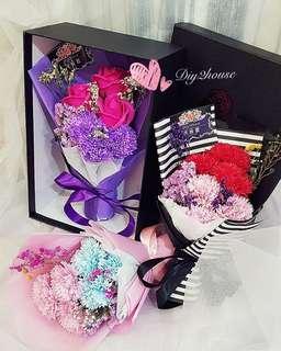 #母親節 #禮物 #花束 #鮮花花束 #仿真花花束 #番梘花 #花束化妝服務