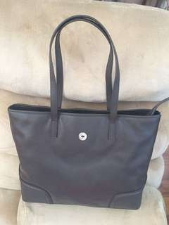 Proton hand bag in light brown