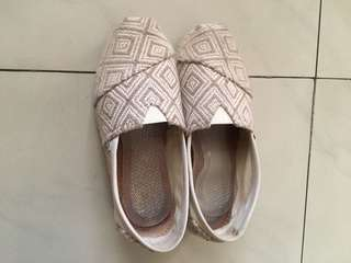 Etnic shoes by toms