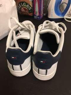 Tommy Hilfiger shoes size US11.5