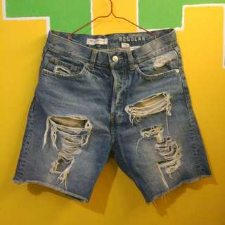 CELANA RIPPED JEANS H&M