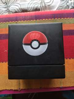 Power Bank Pokeball.