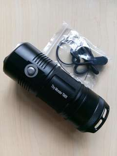 Nitecore TM06 flashlight