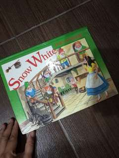 Snow White Pop-Up Book