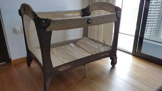 Graco baby crib/playpen