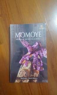 Novel Memoar Momoye