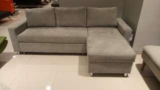 Teano 2 sleeper sofa hanya 200 ribu