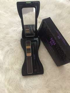 Reprised Eyebrow color compact