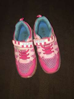 Almost new girls shoes with wheels size 33