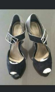 High heels charles keith hitam black