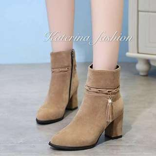 Boots 35-39