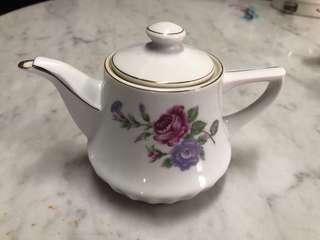 60's Flower Teapot